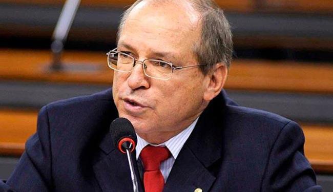 O deputado teria utilizado em 2014 R$ 50 mil para confecção de material de campanha - Foto: Reprodução | Facebook