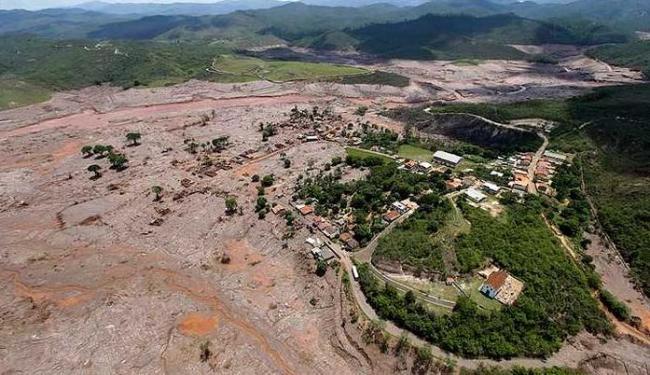 Vista do alto da região atingida por barragem rompida em Minas Gerais - Foto: Agência Reuters