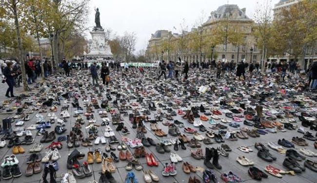 A praça foi palco de conflito com a tropa de choque francesa neste domingo - Foto: Ian Langsdon | EPA | Agência Lusa