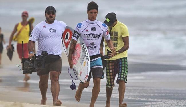 Gabriel Medina, Adriano de Souza (Mineirinho) e Filipe Toledo vão competir em casa antes de embarcar - Foto: Daniel Smorigo   ASP