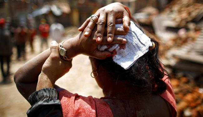 Tremor magnitude 7,3 graus aconteceu após terremoto matar mais de 8 mil pessoas - Foto: Agência Reuters