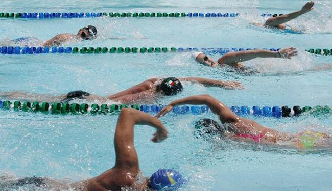Time italiano treina na piscina da Aceb, para provas em Salvador - Foto: Luciano da Matta l Ag. A TARDE