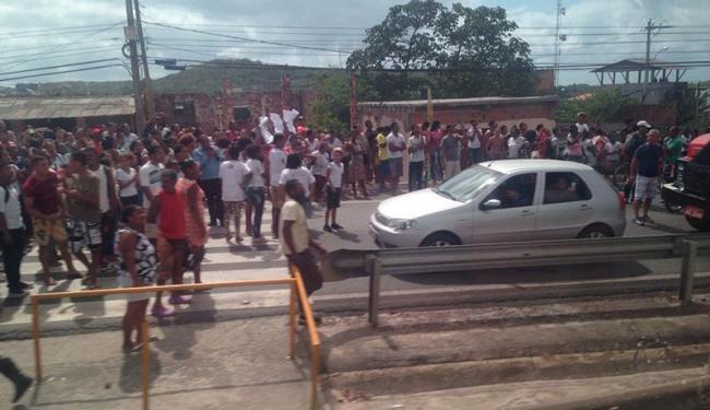 Os estudantes protestam contra a falta de segurança - Foto: Cidadão Repórter | Via Whatsapp