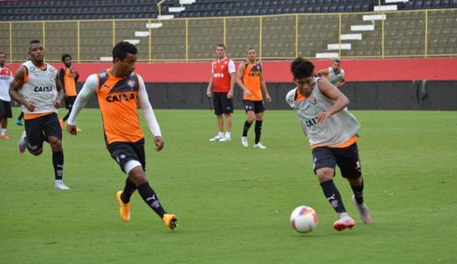 Mancini comandou mais um trabalho tático no campo do Barradão - Foto: Divulgação l E.C. Vitória