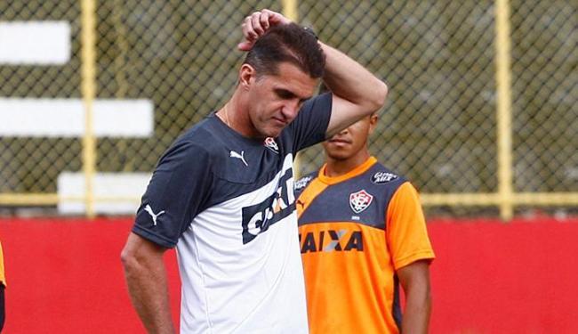 Mancini espera que o argentino Escudero esteja apto para entrar em campo - Foto: Eduardo Martins | Ag. A TARDE