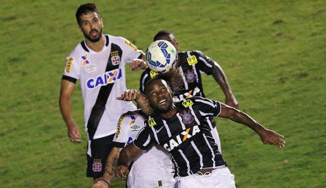 Vagner Love fez o gol do empate que deu o título ao Corinthians - Foto: Ueslei Marcelino | Ag. Reuters