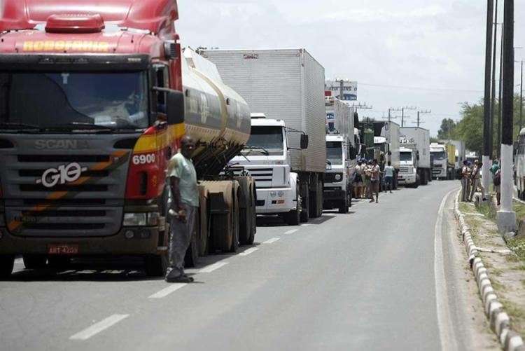 Mudanças na tabela ocorre após a greve dos caminheiros em maio deste ano - Foto: Luiz Tito | Ag. A TARDE | Arquivo