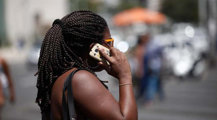 Telefonia celular foi o assunto que teve mais reclamações - Foto: Raul Spinassé | Ag. A TARDE | 28.08.2015