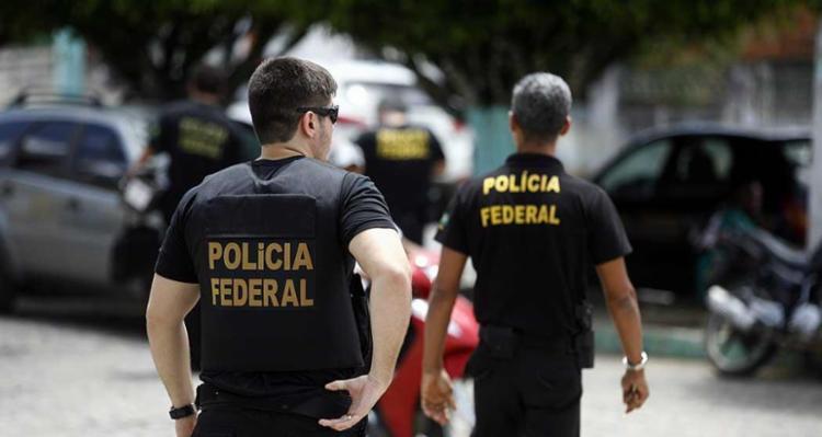 Policiais federais cumprem mandados em Pernambuco e Recife - Foto: Luiz Tito | Ag. A Tarde