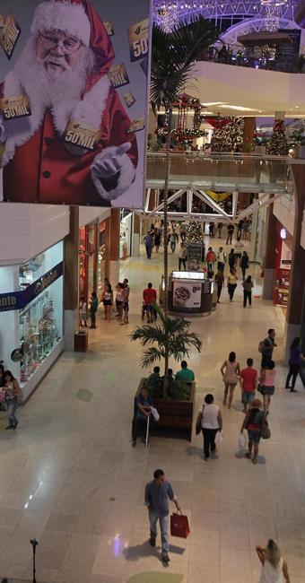 Muitos consumidores são seduzidos por promoções, como sorteios e viagens - Foto: Lúcio Távora l Ag. A TARDE