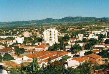 Guanambi abre processo seletivo com salário de até R$ 4 mil