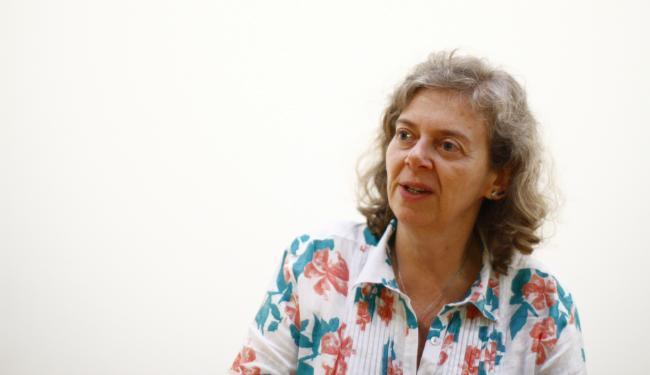 A pesquisadora Beatriz Ferreira Pires investiga como a pele vira suporte para a arte - Foto: Fernando Vivas   Ag. A TARDE