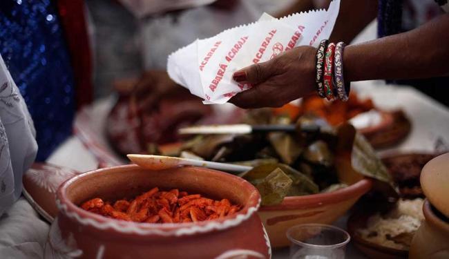 Prefeitura atualizou decreto que regulamenta a venda acarajé - Foto: Raul Spinassé | Ag. A TARDE