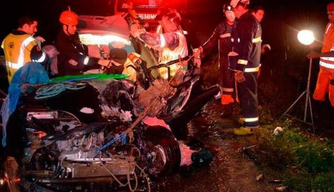 Carro ficou totalmente destruído após o acidente - Foto: Reprodução | Blog do Sigi Vilares