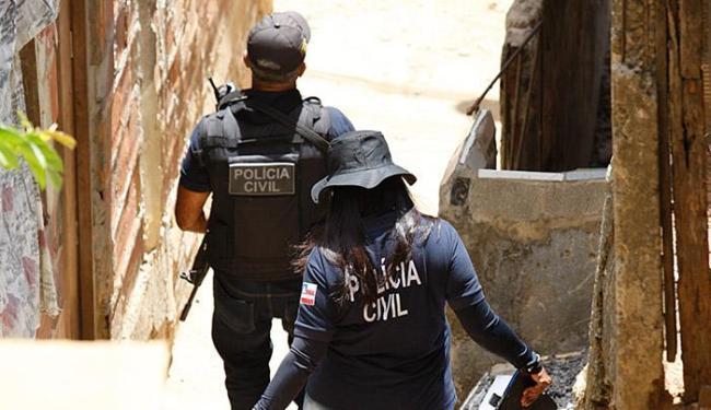 Jovem foi assassinado logo depois de sair de casa - Foto: Edilson Lima | Ag. A TARDE