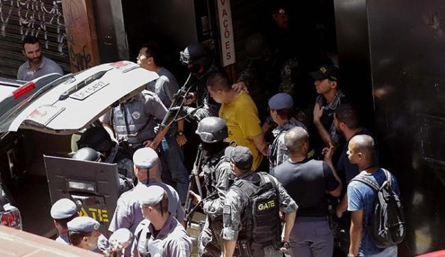 A PM não divulgou número de feridos, mas um idoso deixou a loja com ferimentos sem gravidade - Foto: Newton Menezes   Futura Press   Estadão Conteúdo