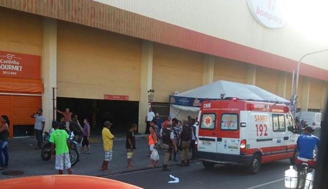Um, não identificado, foi atropelado por uma por volta das 17h, próximo ao Bompreço - Foto: Reprodução   Cidadão Repórter