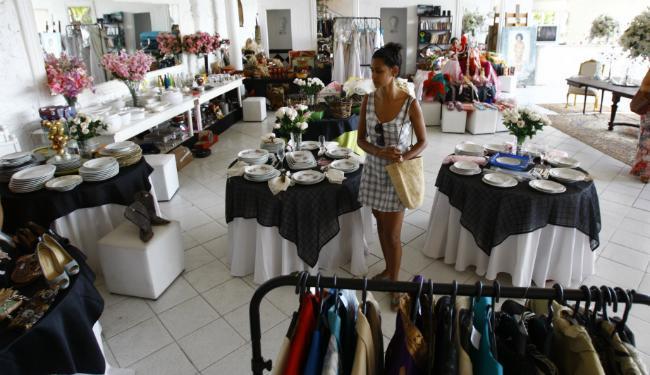 O bazar de Julio César Habib aconteceu num casarão no Santo Antônio - Foto: Fernando Vivas   Ag. A TARDE