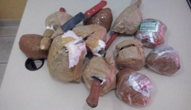 Os agentes penitenciários encontraram grande quantidade de droga, facas e celulares - Foto: Divulgação   Sinspeb