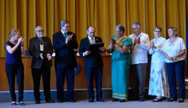 O reconhecimento foi entregue pela OMS ao ministro da Saúde, Marcelo Castro nesta quarta - Foto: Wilson Dias   Agência Brasil