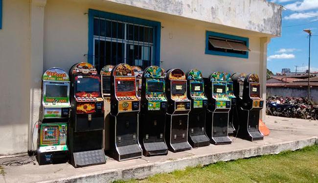 Junto com o material, foram conduzidos à delegacia 11 pessoas envolvidas com jogos de azar - Foto: Divulgação | Polícia Civil