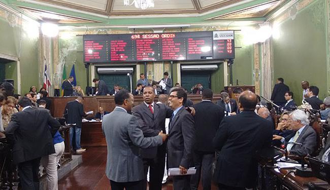 O Orçamento foi aprovado com votos da oposição e dos vereadores Carlos Muniz e Edvaldo Brito - Foto: Rodrigo Aguiar l Ag. A TARDE