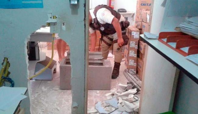 Grupo fez um buraco na parede para roubar uma casa lotérica no interior da Bahia - Foto: Reprodução | Blog do Sigi Vilares