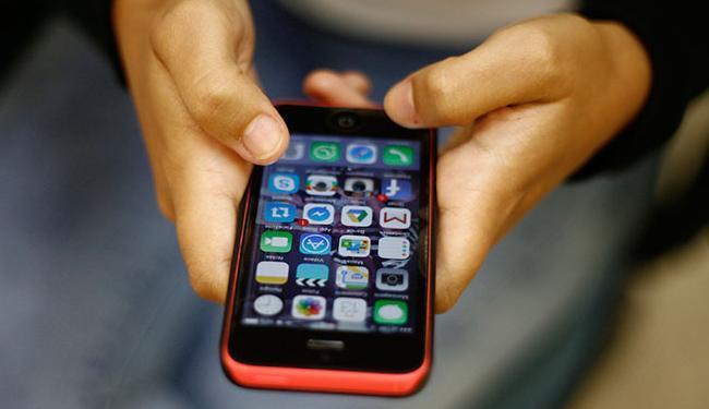 Objetivo é aumentar a disponibilidade de números na telefonia celular - Foto: Raul Spinassé   Ag. A TARDE