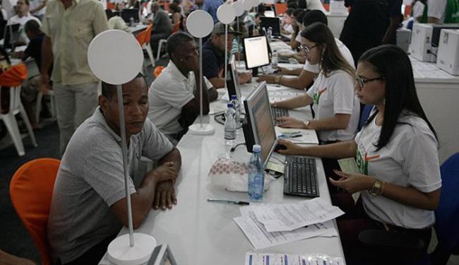 O Concilia Bahia começou com o mutirão Acordo Legal, realizado na Fonte Nova - Foto: Lúcio Távora l Ag. A TARDE l 03.10.2015