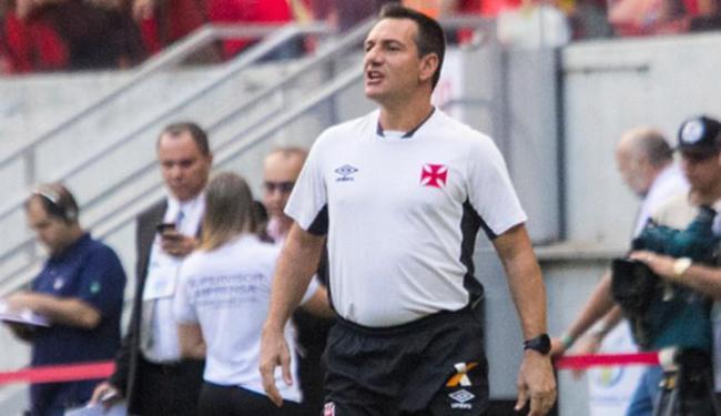 Treinador com dois estaduais no currículo passou por três times em 2015, entre eles o Vasco - Foto: Paulo Fernandes l Vasco.com.br