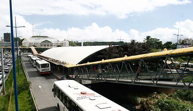 Linhas de ônibus que passam pelo terminal serão direcionadas para outras paradas - Foto: Raul Spinassé | Ag. A TARDE