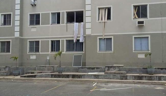 Os moradores apagaram as chamas com extintores dos edifícios antes da chegada dos bombeiros - Foto: Reprodução | Cidadão Repórter
