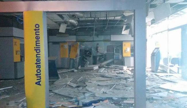 A agência ficou destruída após a explosão - Foto: Reprodução | Se liga na Informação