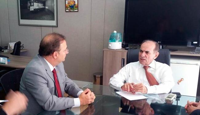 Secretário Fábio Vilas-Boas (à esquerda) em reunião com ministro da Saúde Marcelo Castro - Foto: Divulgação   Secom