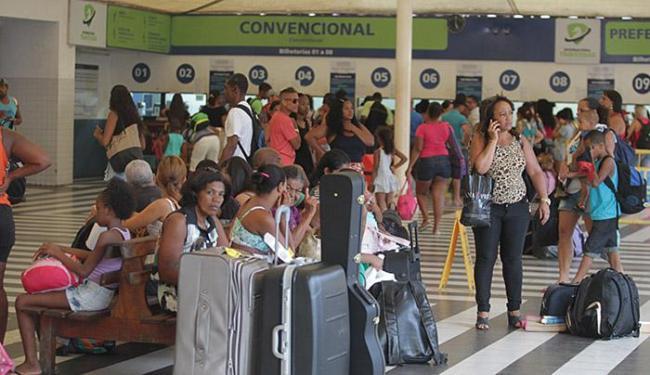 Passageiros não encontraram longas filas nos guichês - Foto: Lúcio Távora | Ag. A TARDE