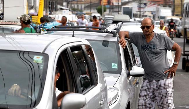 Por volta das 6h, o ferry já apresentava fila para veículos nesta quarta, 30 - Foto: Edilson Lima | Ag. A TARDE