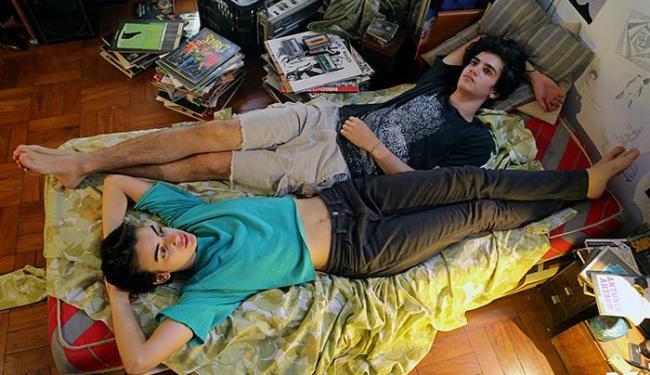 Caio Horowicz e Clara Gallo no filme Califórnia - Foto: Aline Arruda l Divulgação