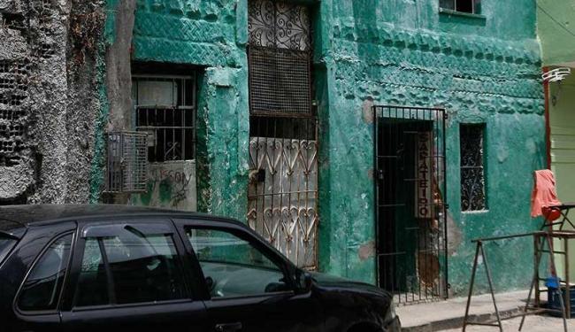 Um sobreviveu, Fredson e mais três foram baleados em uma lan house - Foto: Edilson Lima | Ag. A TARDE