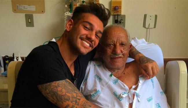 Lucas Lucco postou foto ao lado do avô e prima disse que era