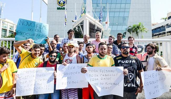 Ex-jogadores Djalminha, Raí e Alex, e o técnico Paulo Autuori, estiveram na sede da entidade - Foto: Glaucon Fernandes l Estadão Conteúdo