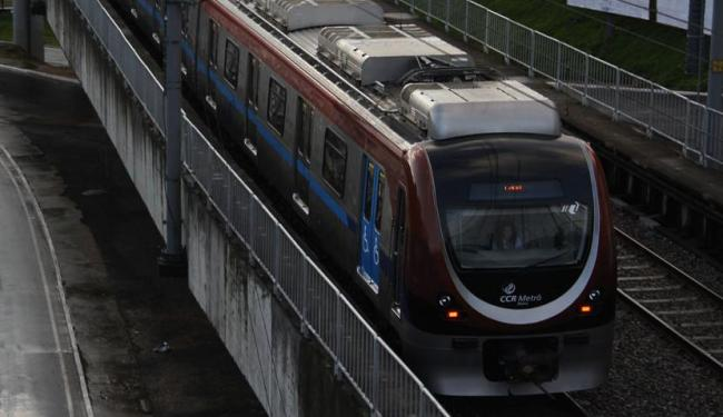 A cobrança da tarifa do metrô só será iniciada no dia 2 de janeiro - Foto: Joa Souza   Ag. A TARDE