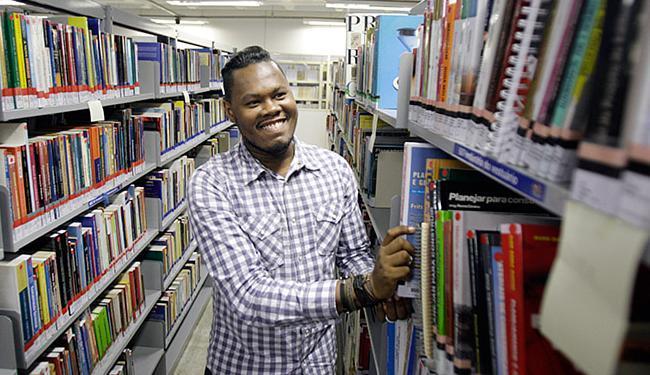 Mharcello planeja voltar no ano que vem para concluir graduação - Foto: Raul Spinassé l Ag. A TARDE