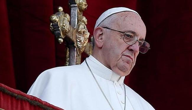 Papa relembra atentados e pede paz - Foto: Alessandro Bianchi | Reuters | 25.12.2015