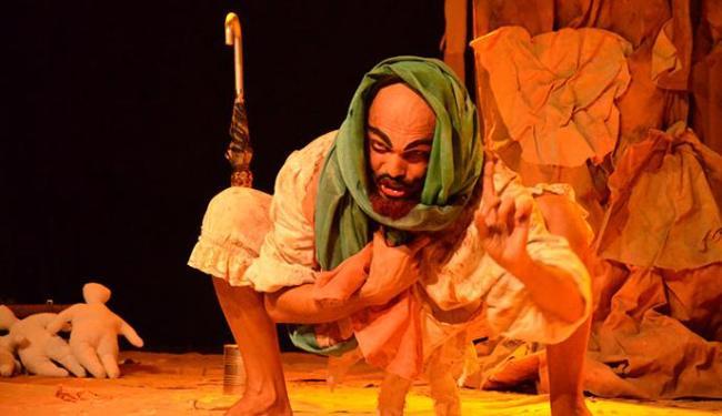 Ator interpreta cinco personagens na história - Foto: Júnior Simas   Divulgação