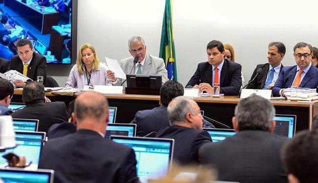 Sessão foi marcada por tentativa de aliados do presidente da Câmara de protelar a votação - Foto: Valter Campanato l Agência Brasil