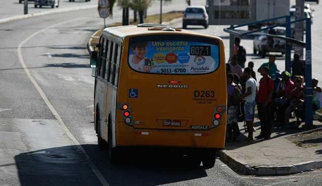 Rodoviários querem pagamento de um bônus ainda em 2015 - Foto: Raul Spinassé | Ag. A TARDE