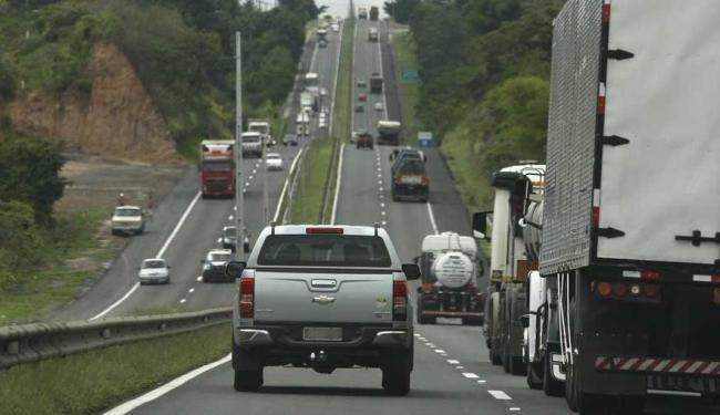 A previsão de aumento do fluxo de veículos é de 2,6% até o de 31 - Foto: Marco Aurélio Martins   Ag. A TARDE