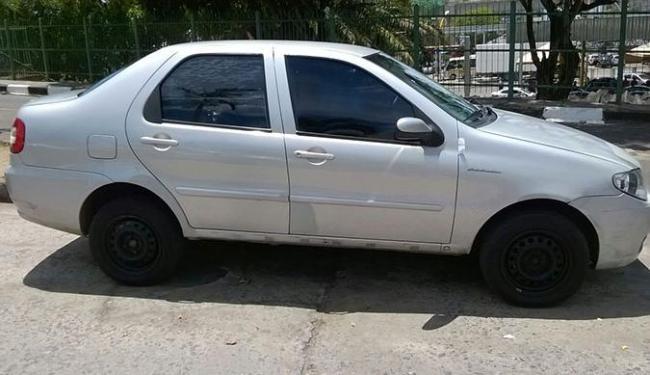 Populares informaram a polícia sobre o roubo de um veículo Fiat Siena na cor prata - Foto: Divulgação Policia Militar