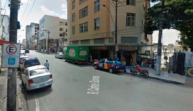 A rua Pedro Autran, que a Carlos Gomes à avenida Sete de Setembro, será interditada - Foto: Reprodução | Street View