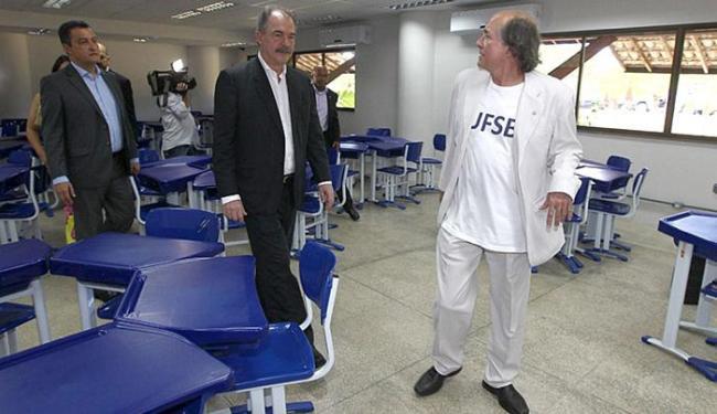Rui Costa, Aloizio Mercadante e Naomar de Almeida visitam sala reformada - Foto: Mateus Pereira l GovBA